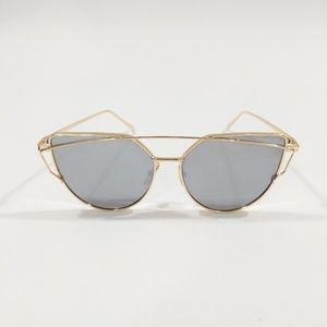 Accessories - Silver Mirror Sunglasses